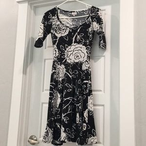 LuLaRoe Dresses - LuLaRoe woman's dress